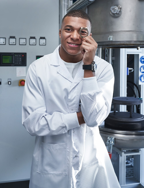 Kylian Mbappé visits the Hublot manufacture