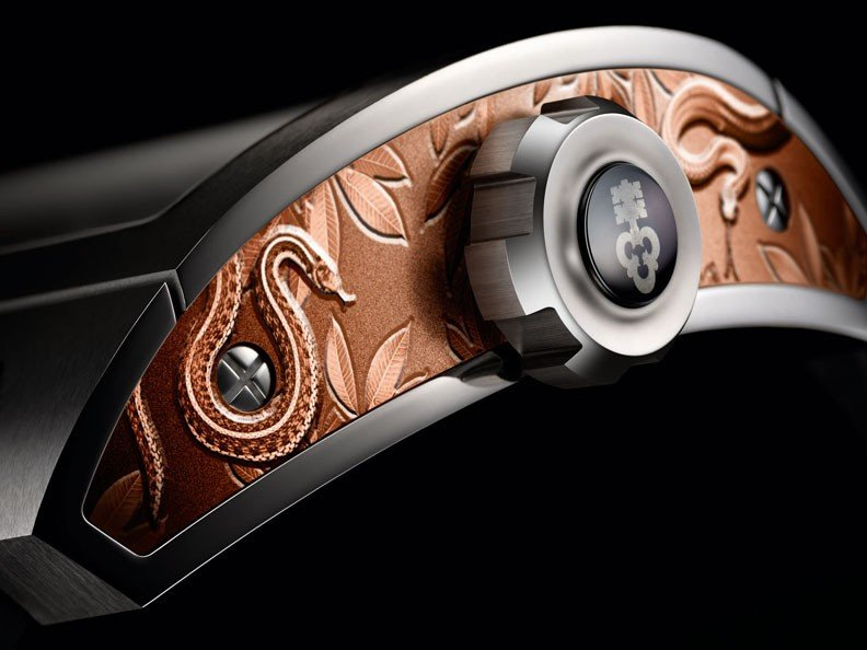 Corum - Une Ti-Bridge Power Reserve pour Only Watch