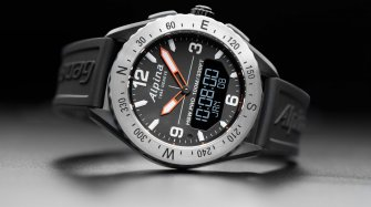 AlpinerX Outdoors Smartwatch