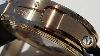 The hidden complexity of the watch case  Innovation and technology