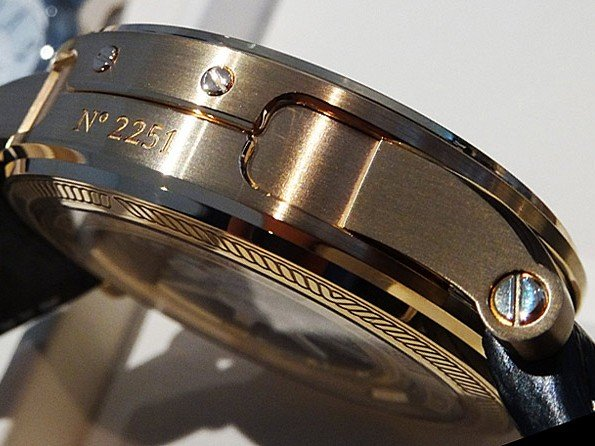 Tech & Tests - The hidden complexity of the watch case
