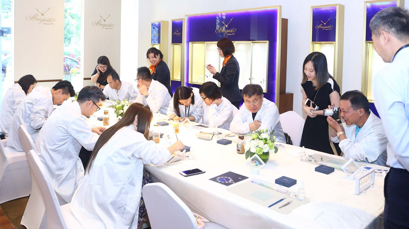 Breguet - The art of enamel painting displayed in China