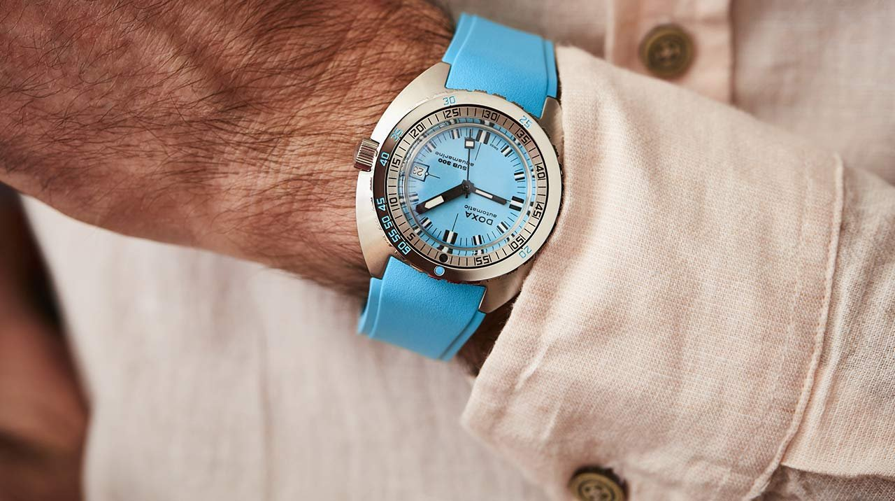Doxa - Colourful new features for the SUB 300 COSC in steel
