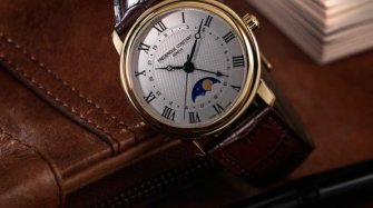 Classics Moonphase Automatic Style & Tendance