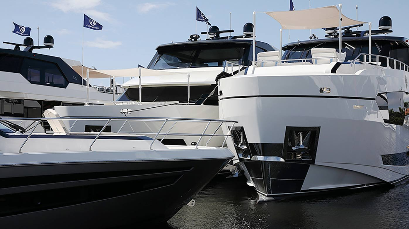 GMT XXL World - At the Fort Lauderdale Boat Show
