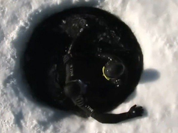 Ball Watch  - Video. Explorer Guillaume Néry - Ultimate Ice Diving