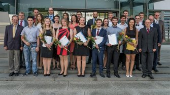 "23 graduates of ""Alfred Helwig"" School of Watchmaking"