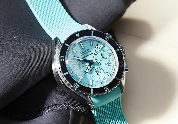 Five Turquoise Timepieces to Cling on to Summer