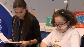 Video. Inauguration of a library by Adriana Lima