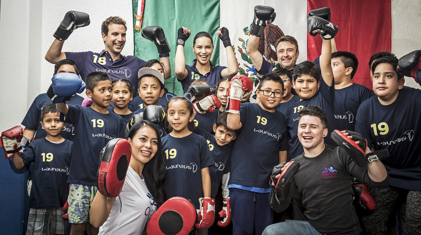 IWC Schaffhausen - Adriana Lima took part in a boxing session with children in Mexico City