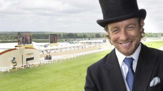 Vidéo. Simon Baker at Royal Ascot 2015