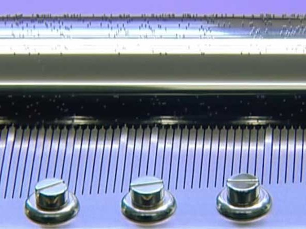 Reuge - Video. Fixing – How it's made