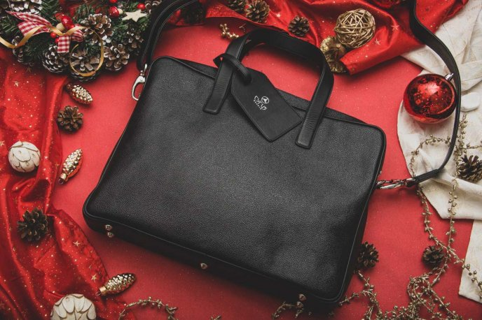 Win a Cyrus leather bag