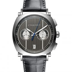 The Dandy chronograph, with intense grey hues, alternates between a polished surface and satin-finished sides © Chaumet