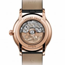 Individual limited serial number engraved on the case-back. © Jaquet Droz