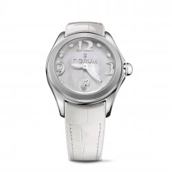 Corum Bubble 42, blanche