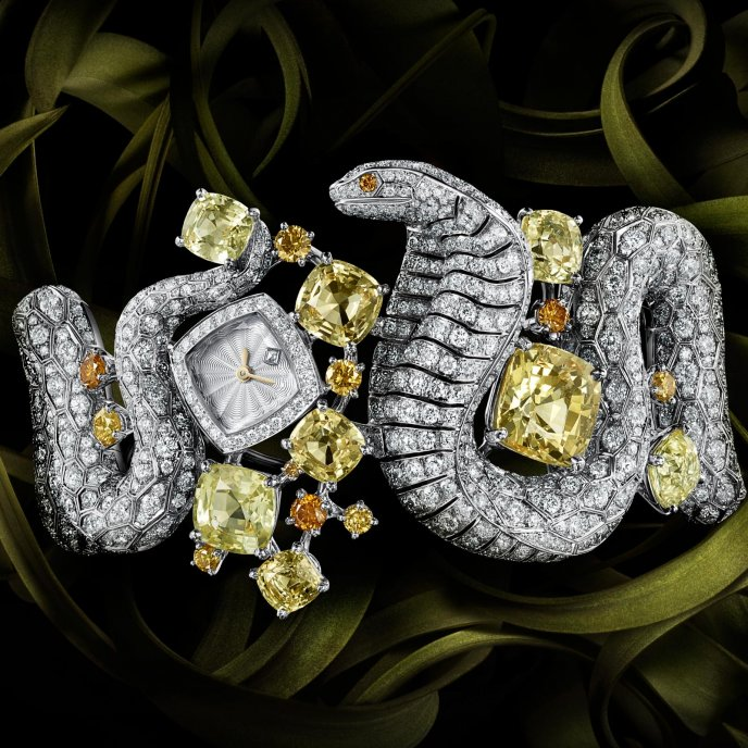 Cartier Haute Joaillerie watch snake motif - watch face view