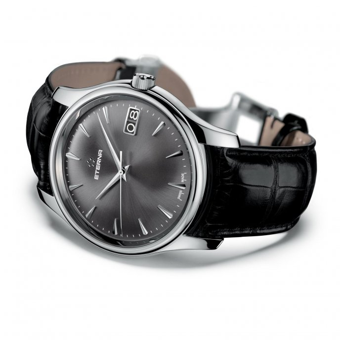 Eterna Vaughan Big Date 7630.41.50.1186 - watch mood view