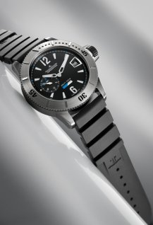Diving GMT